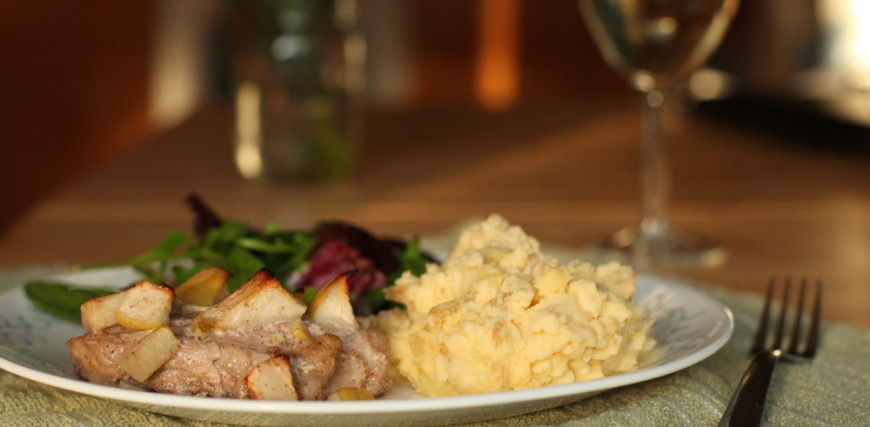 The best mashed potatoes you will ever eat! (and a side of apple cinnamon pork)