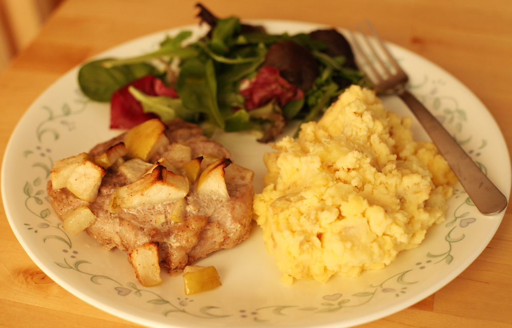 Apple Cinnamon Marinated Broiled Pork and Garlic Creamy Mashed Potatoes
